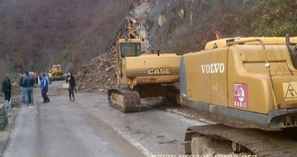 Putu Jablanica - Pozor opet prijeti obrušavanje stijena