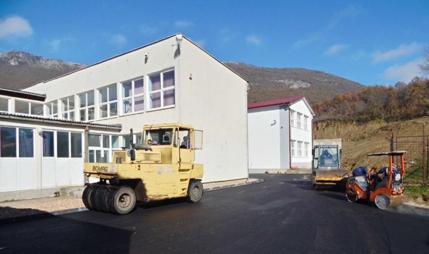 Uređen pristup i dvorište Srednje škole Prozor